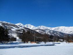 青い空、白い峰