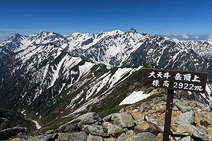 残雪の槍穂高連峰