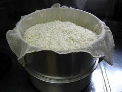 お米を蒸す